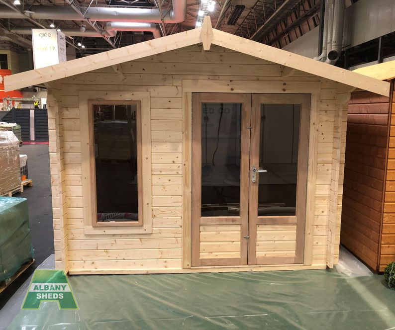 Charnwood A 1010 with large pane 'Modern' style doors & window